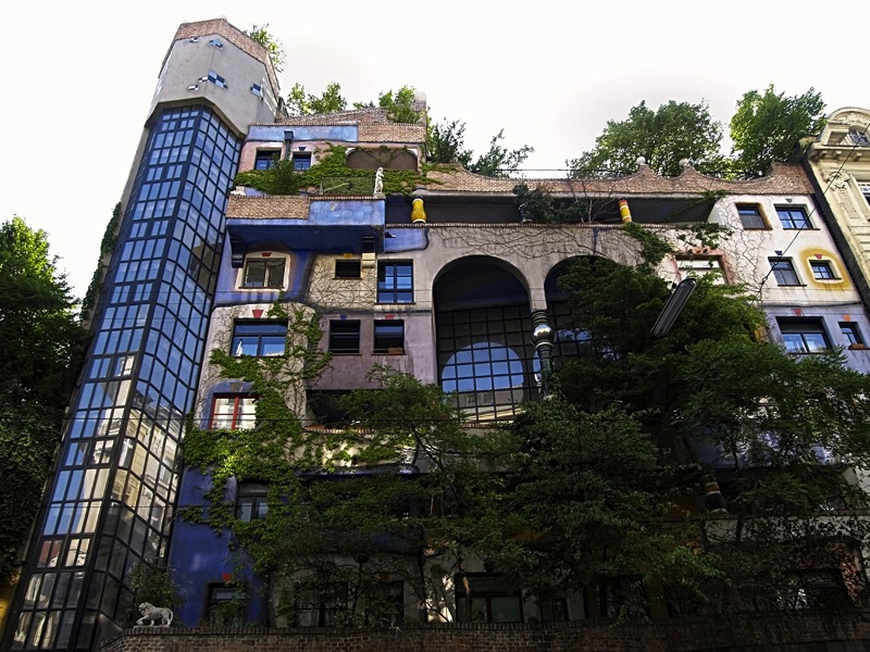 Hundertwasser House Residential Building of the City of Vienna, 1983-1985 Original coauthor em. o. Univ.-Prof. Arch. DI Josef Krawina Planning: Architect DI Peter Pelikan © 2014 Namida AG, Glarus, Switzerland Photo Credit: © Emil Bilinski